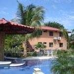 A Honduras hotel with swim-up bar.  That's so Bob.